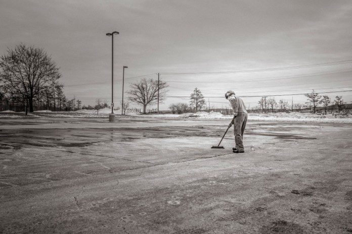 black-and-white-cleaning-man-416-825x550